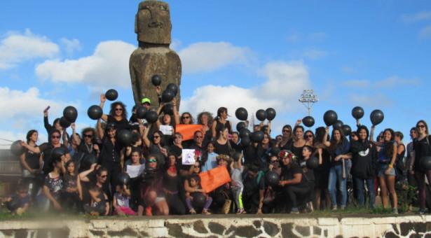 Mujeres en Rapa Nui se adhieren a movimiento #Niunamenos